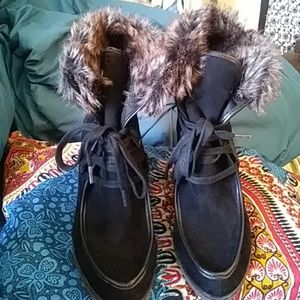 wedge ankle boots with the faux fur